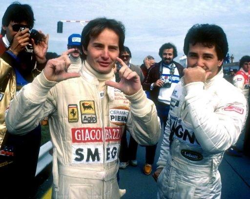 Gilles Villeneuve et son frère Jacques s'amusent avec les photographes lors de la séance d'essais du vendredi au Grand Prix du Canada de 1981. | 1 mars 2011