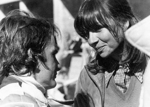 Gilles Villeneuve avec son épouse Joann en 1978. | 1 mars 2011