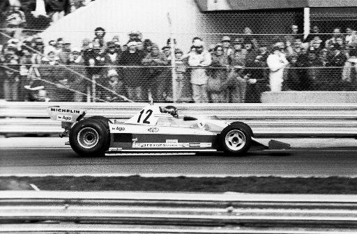 Gilles Villeneuve en pleine action au Grand Prix du Canada... | 2011-03-01 00:00:00.000
