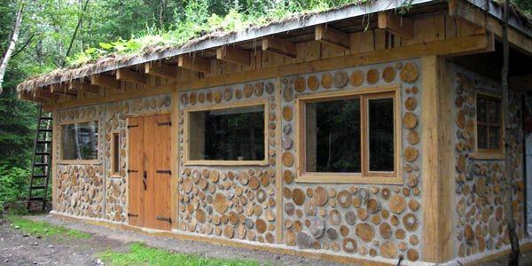 L'atelier terminé. Les murs sont en bois cordé... (Photo fournie par Biobâtir)