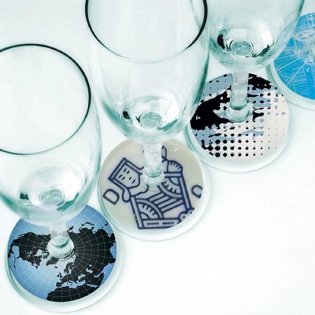 La ligne de produits Tract propose des marque-verres de papier translucide qui...