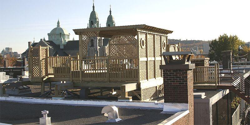 Cette terrasse repose sur un mur mitoyen. Les... (Photo fournie par Patio Design)