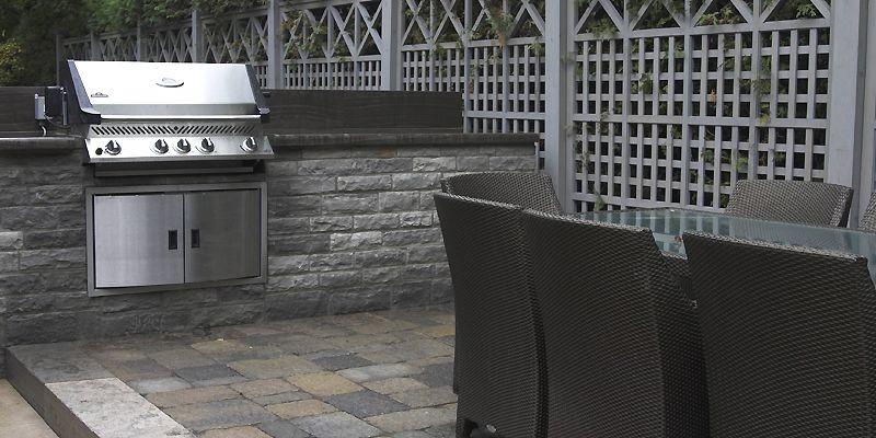 Cuisiner dehors en tout confort danielle bonneau cour for Fabriquer cuisine exterieure