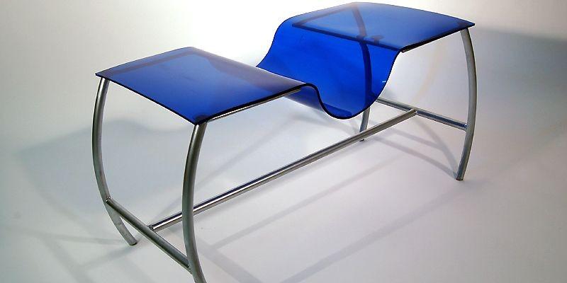 Table fluide aux courbes inédites, conc¸ue par un... (Photo fournie par le Cégep de Sainte-Foy)