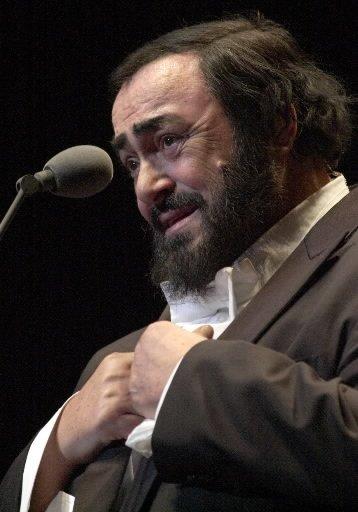 Luciano Pavarotti lors de son spectacle au Centre Molson le 2 février 2002. | 1 mars 2011