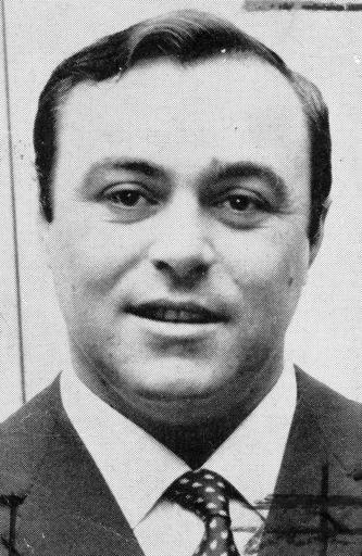 Luciano Pavarotti plus jeune. | 1 mars 2011