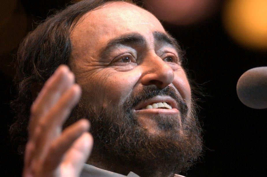 Luciano Pavarotti en spectacle. | 1 mars 2011