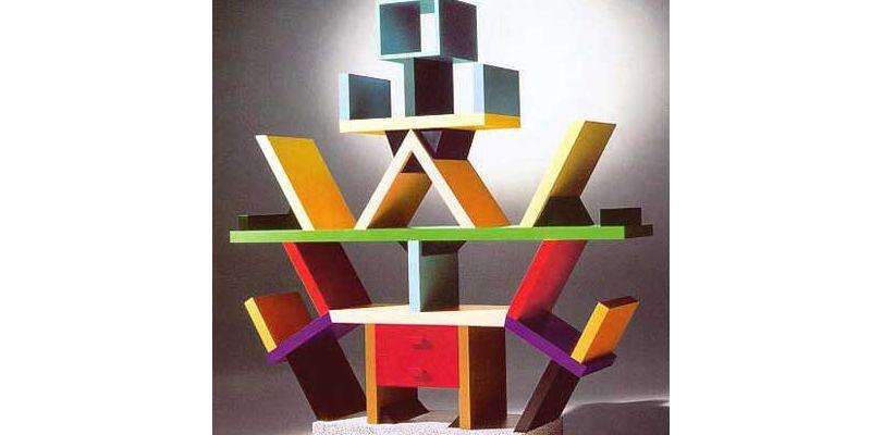 Un bibliothèque créée par Ettore Sottsass...