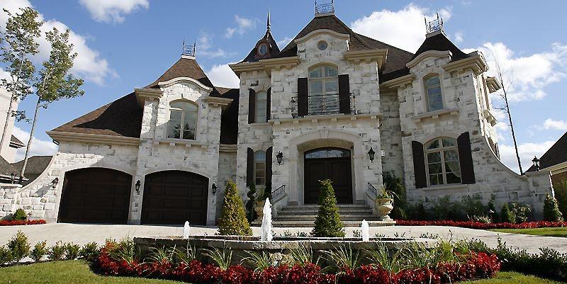 Une maison du promoteur Louis XIV à Blainville.... (Photo Robert Mailloux, archives La Presse)
