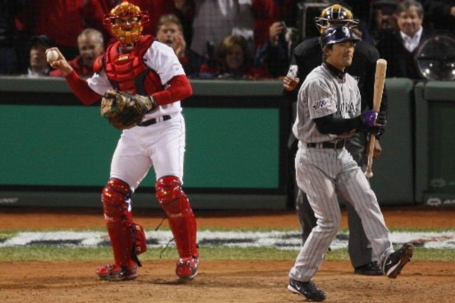 Kazuo Matsui retiré au bâton à la 8e manche. | 1 mars 2011