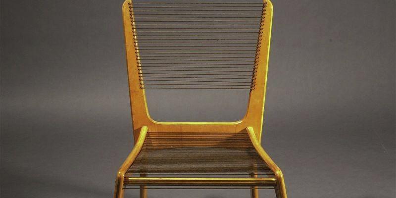 Une chaise <i>Nylon</i> dessinée par Jacques Guillon.... (Photo fournie par le Centre de design de l'UQAM)