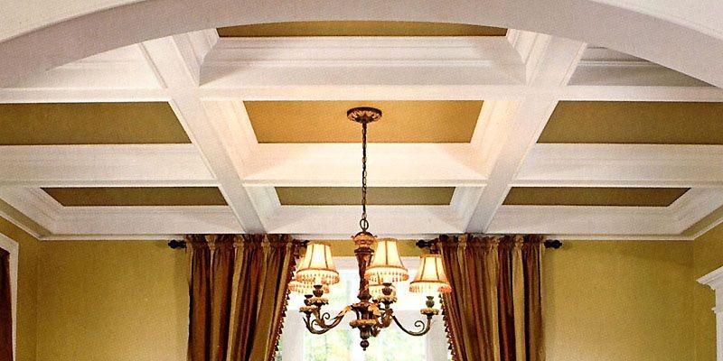 Un plafond orné de volumineux caissons décore avec... (Photo tirée de <i>Moulures de style</i>)