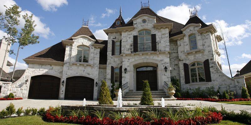 Une maison du promoteur Louis XIV à Blainville.... (Photo Robert Mailloux, La Presse)