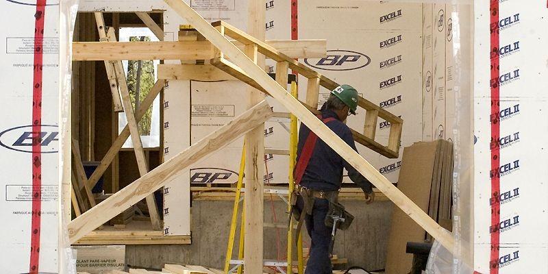 Au Québec, le prix moyen des propriétés était... (Photo Armand Trottier, La Presse)
