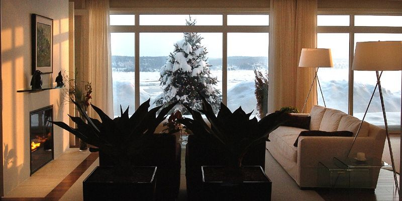 La pièce à vivre, où le blanc domine.... (Photo Jean-Marie Villeneuve, Le Soleil)