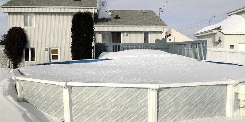 Si vous devez retarder l'ouverture de votre piscine,... (Photothèque La Presse)
