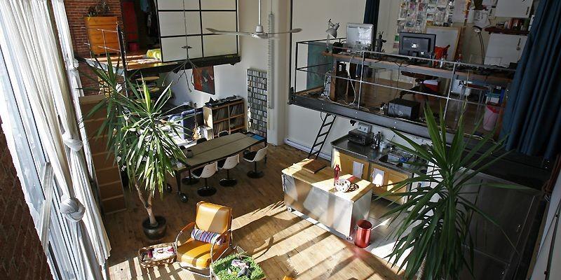 Vue d'ensemble du loft à partir d'une des... (Photo Robert Mailloux, La Presse)