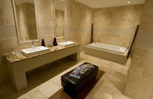 Luxueux ch teau boucherville cyberpresse for Salle de bain au sous sol