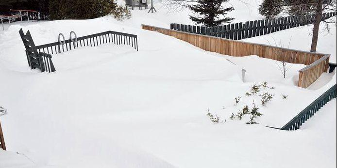 Un dur hiver pour les piscines hors terre albert b rub for Backwash piscine hors terre