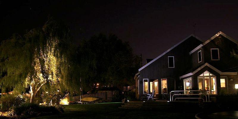Les entrepreneurs paysagers et spécialistes de l'éclairage proposent... (Photo fournie par Splendeurs de nuit)