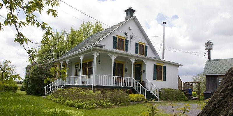 Maison ancestrale pour gentleman farmer simon diotte collaboration sp ci - Colonne exterieure pour maison ...
