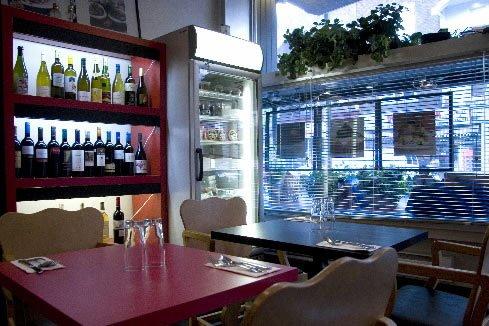 Installé rue Wellington, Naked Lunch... (Photo: Marco Campanozzi, La Presse)