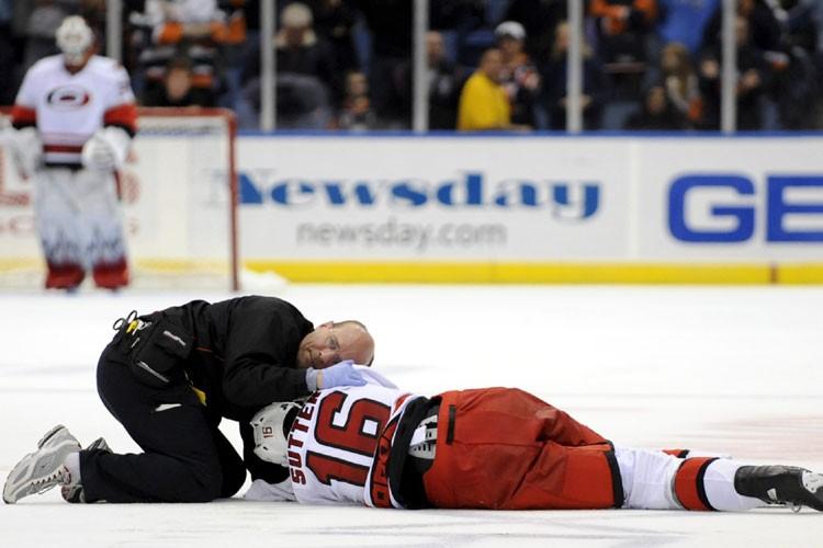 Brandon Sutter a été victime d'une sévère commotion... (Photo: AP)
