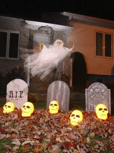 Halloween decorations edmonton halloween decoration - Decoration maison halloween ...