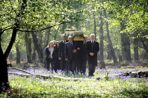 Reposer pour l'éternité à l'ombre d'un chêne, d'un châtaigner ou... (Photo: AFP)