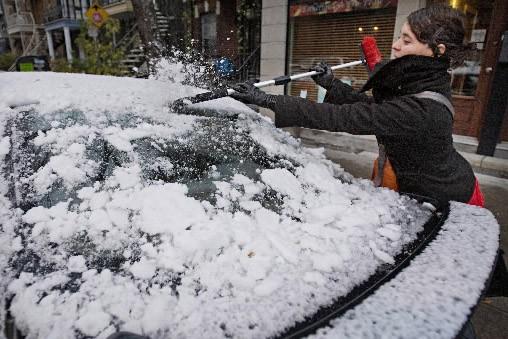 Avant de prendre son auto, Stéphanie Chaumont a... (Photo Patrick Sanfaçon, La Presse)