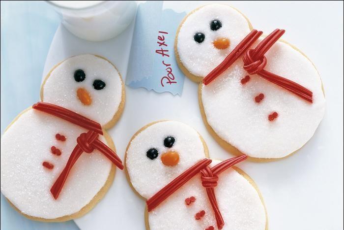 Biscuits festifs au sucre... (Photo tirée du livre Biscuits)