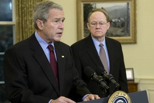 George Bush et le patron du renseignement américain,... (Photo: Getty images)