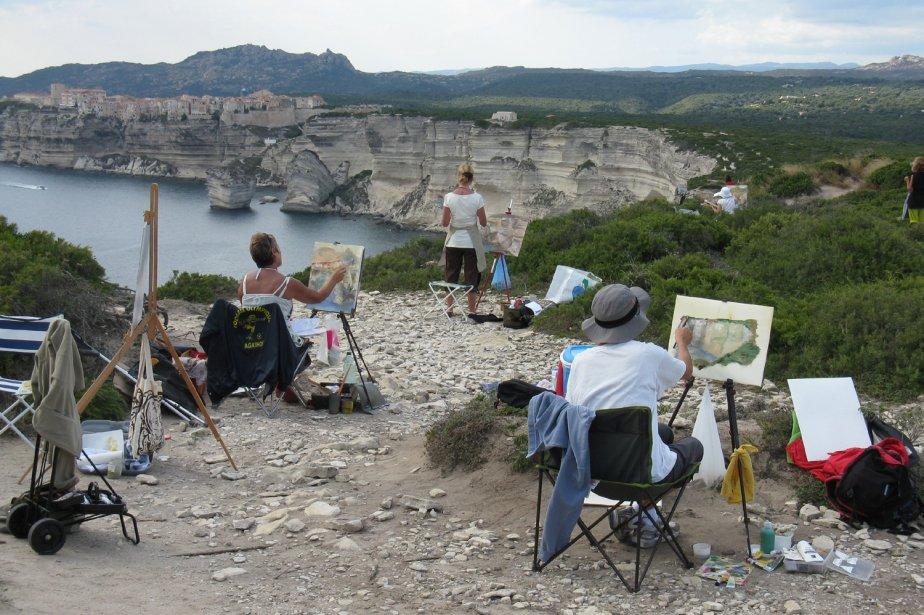 Le site enchanteur de Bonifacio inspire les peintres qui s'installent à l'est de la ville pour reproduire la cité et ce gros bloc éboulé qu'on appelle le Grain de sable. | 1 mars 2011