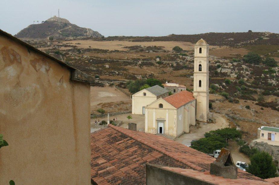 Dans la région de la Balagne, le village de Sant' Antonino est perché sur un piton rocheux d'où le point de vue est étourdissant. | 1 mars 2011