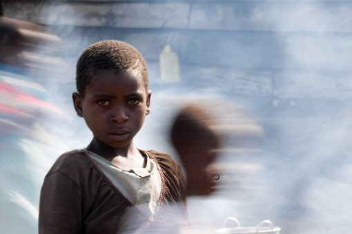 Des garçons au camp de réfugiés de Kibati.... (Photo AFP)