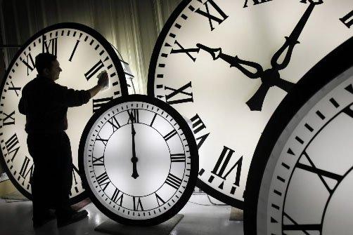 Le changement d'heure a permis à des cardiologues... (Photo: Archives AP)