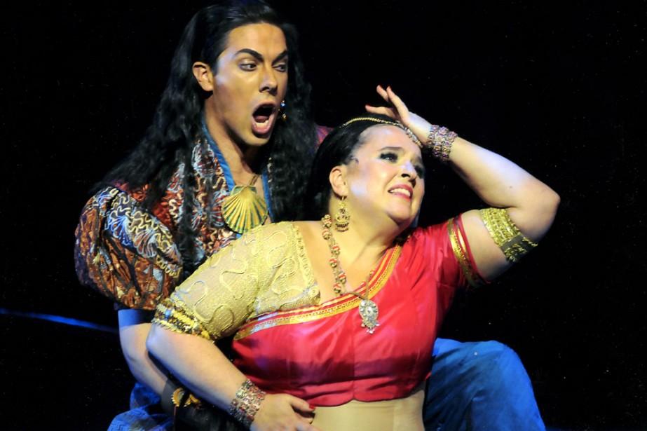 Zurga (Phillip Addis) aime Léïla (Karina Gauvin), mais... (Photo: Opéra de Montréal)