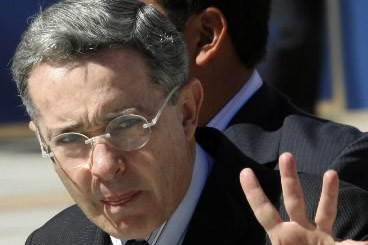 Alvaro Uribe... (Photo: Reuters)
