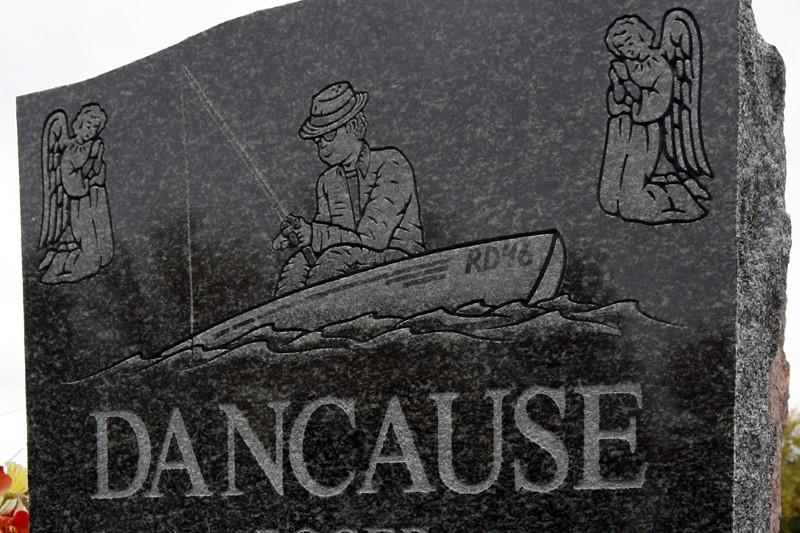 Dans les cimetières, les tombes n'arborent... (Photo: Robert Mailloux, La Presse)