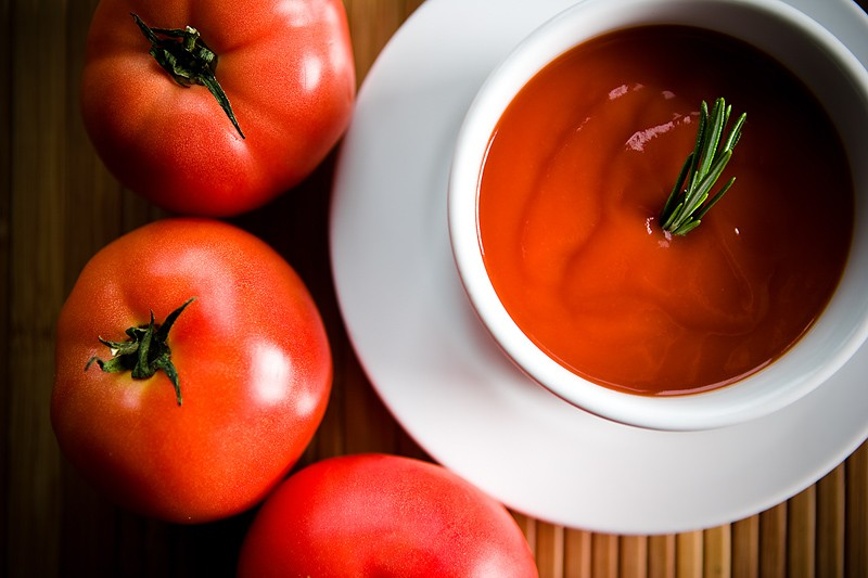 Tomates contre le cancer, jus de fruits contre l'Alzheimer, ail contre le sida:...