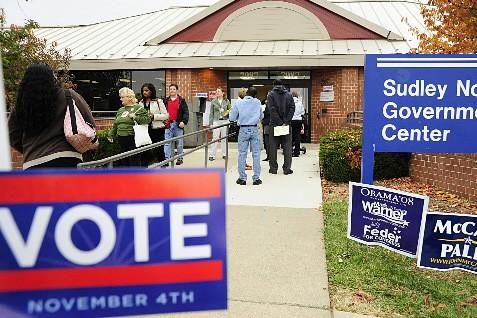 Un bureau de vote en Virginie.... (Photo: AFP)