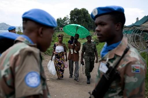 Des soldats de l'ONU sud-africains patrouillent dans l'est... (Photo: AFP)