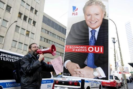 Une pancarte du PLQ... (Photo François Roy, La Presse)