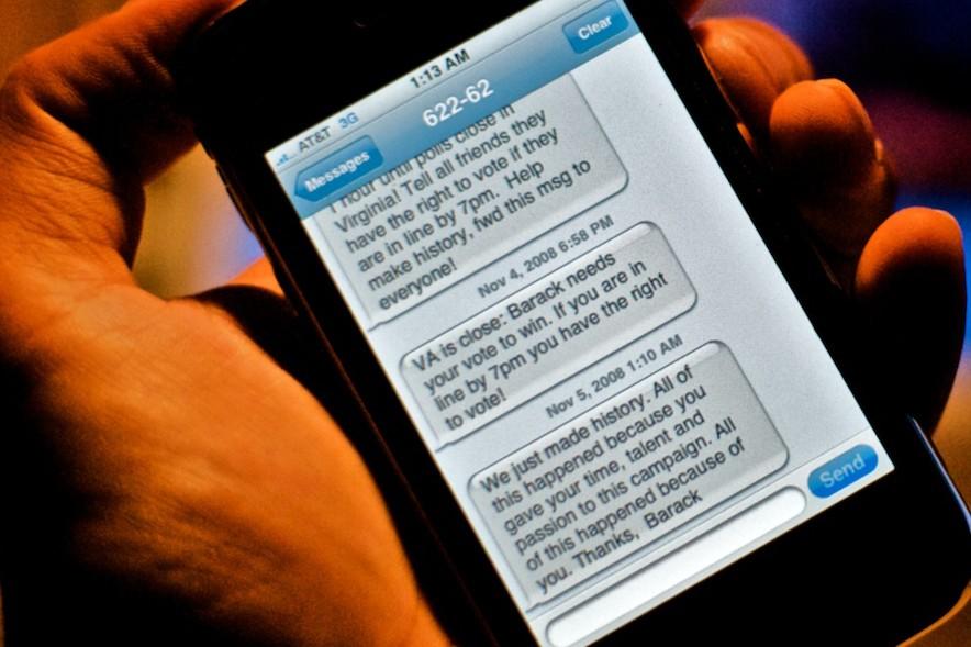 Des SMS envoyés par l'équipe de Barack Obama... (Cazimiro, Flickr)