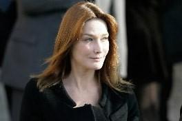 Carla Bruni... (Photo: AP)