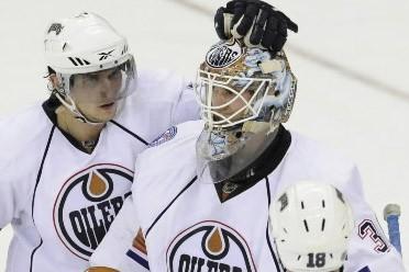 Jeff Drouin-Deslauriers a stoppé 37 tirs devant la cage des Oilers... (Photo: AP)