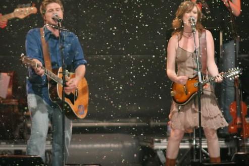 Vincent Vallières et Mara Tremblay, lors du spectacle... (Photo: David Boily, Archives La Presse)