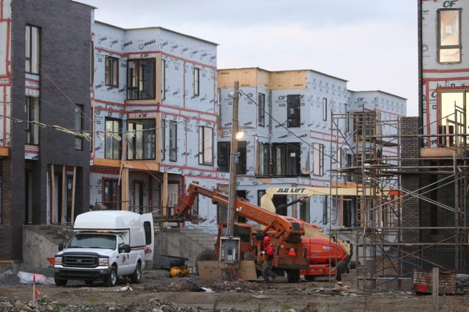 Les immeubles en construction du Faubourg Contrecoeur, dans... (Photo: Martin Chamberland, La Presse)