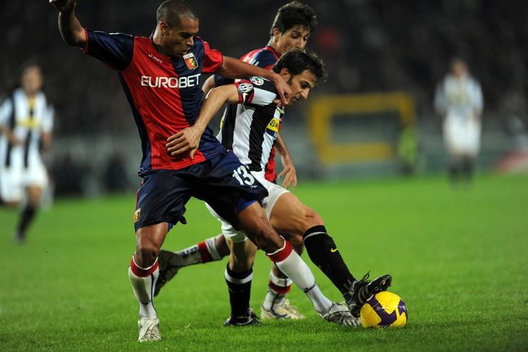 Alessandro Del Piero, de la Juventus, bataille pour... (Photo: AFP)