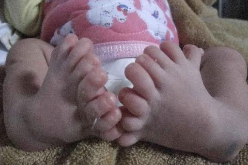 Ce bébé chinois est né il y a... (Photo: Reuters)